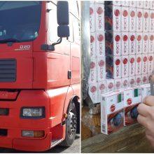 Pirmoji darbo diena klaipėdiečiui vairuotojui: sučiupo su 1,5 mln. eurų kontrabanda