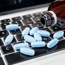 Receptinius vaistus bus galima įsigyti neišvykus iš namų