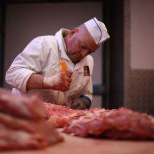 Mėsininkai atsidūrė VMI akiratyje: puolė deklaruoti pajamas