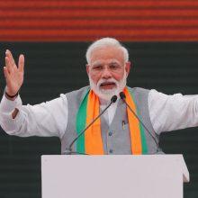 Indijoje prasidedančiuose milžiniškos apimties rinkimuose favoritu laikomas N. Modi