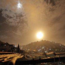 Izraelis atakavo Irano objektus Sirijos teritorijoje: žuvo 11 kovotojų