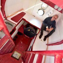 Nutrūktgalvio keliautojo sėkmė: per 122 dienas statine perplaukė Atlantą