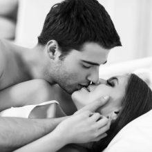 Atsakė į amžiną klausimą: ar turtingi vyrai tikrai yra geresni lovoje