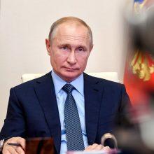 V. Putinas neatmeta galimybės vėl balotiruotis į Rusijos prezidentus