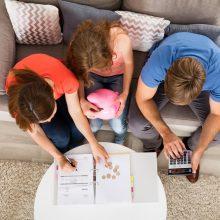 Tyrimas: ne visiems tėvams pakanka lėšų vaikų atostogoms