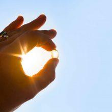 Manote, kad iš saulės gaunate pakankamai vitamino D? Galvokite iš naujo