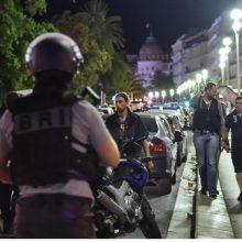 Prancūzijos ministras: terorizmo grėsmė šalyje – labai aukšta