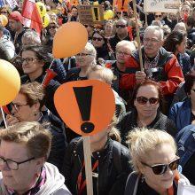 Lenkijos mokytojai sustabdys streiką, kad galėtų įvykti egzaminai