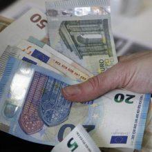"""Seimo """"darbiečiai"""" siūlo nustatyti didesnį pareiginės algos bazinį dydį – 185 eurų"""