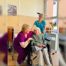 Sunkiai sergantiesiems Klaipėdoje – profesionali slaugos pagalba