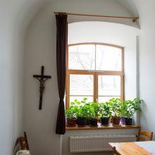 Buitis: refektoriuje vienuolės valgo, bendrauja.