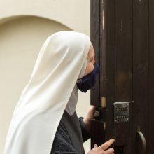 """Požiūris: """"Pastebėjau, kad žmonės prisibijo ateiti į vienuolyną, o gaila, nes mes esame pasiruošę dalytis ta tylos ir maldos erdve, kurioje gyvename, – reikia tik iš anksto susitarti"""", – sako sesuo Daiva Marija."""