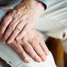 Pagalbos linijos atstovai: senjorų nerimas per koronaviruso pandemiją žymiai išaugęs