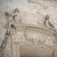 Menas: bažnyčios interjeras jau šimtmečius žavi lipdinių dekoru tuos, kurie tą grožį supranta ir vertina.
