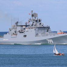 Rusija per Bosforo sąsiaurį Viduržemio jūros kryptimi siunčia du karo laivus