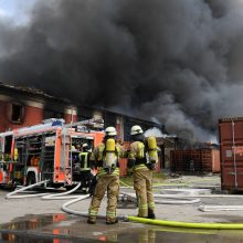 Berlyne užsidegė prekybos centras, dūmai matyti už kelių kilometrų