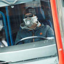 Latvijoje sugrįžusiems iš užsienio asmenims uždrausta naudotis viešuoju transportu