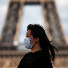 Ekspertai įspėja dėl nekontroliuojamo viruso plitimo Prancūzijoje