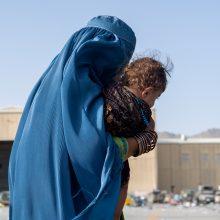 EK vadovė žada papildomą 100 mln. eurų pagalbą Afganistanui