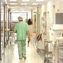 Vilkaviškio rajone į ligoninę atvežtas vaikinas su šautine žaizda