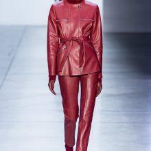 Lyderė: odiniais drabužiais, aksesuarais siūloma puoštis nuo galvos iki kojų.