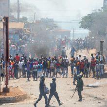 Žiniasklaida: karinę stovyklą Pusiaujo Gvinėjoje supurtė sprogimai, pranešta apie aukas