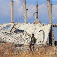 Sirijoje džihadistai ir sukilėliai pasitraukė iš strategiškai svarbaus taško