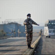 Nelaimė Indijoje: autobusui įkritus į upę žuvo dešimtys žmonių