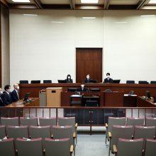 """Tokijuje prasidėjo buvusio """"Nissan"""" vadovo C. Ghosno padėjėjo teismo procesas"""