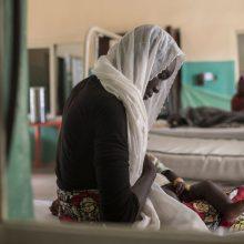 """Iš """"kūdikių fabriko"""" Nigerijoje išgelbėti 24 kūdikiai ir keturios nėščios paauglės"""