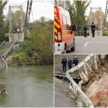 Prancūzų prokuroras atskleidė priežastį, kodėl sugriuvo kabamasis tiltas