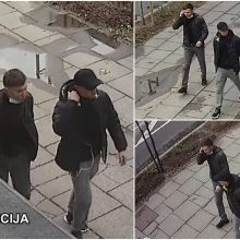 Vilniaus policija ieško vaizdo kameromis užfiksuotų vaikinų: gal atpažįstate?