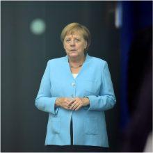 Vokietijos kanclerė A. Merkel planuoja susitikimą su D. Britanijos premjeru