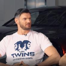 Broliai Lavrinovičiai – apie pirmąjį automobilį ir juokingus incidentus su policija