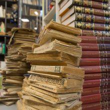 Vertybė: knygos, daug metų dulkančios kažkieno lentynose, kažkam gali tapti tikru lobiu