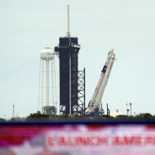 """Rengiantis pilotuojamam JAV skrydžiui į kosmosą artėja """"SpaceX"""" triumfo valanda"""