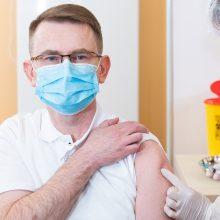 """A. Dulkys: tikėtina, kad iš Danijos gavus """"AstraZeneca"""" vakcinų, galėtume pradėti masinį skiepijimą"""