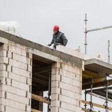 """Ragina įvesti statybininko kortelę: iš """"šešėlio"""" padėtų ištraukti milijonus eurų"""