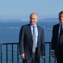 E. Macronas ir V. Putinas mato galimybę taikai Ukrainoje, bet nesutaria dėl Sirijos