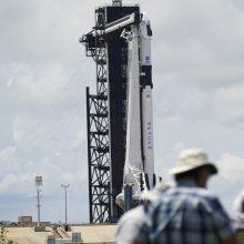 """""""SpaceX"""" erdvėlaivio skrydis tebeplanuojamas, nepaisant nepalankių orų"""