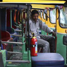Indijos sostinėje – transporto streikas dėl padidintų baudų pažeidėjams