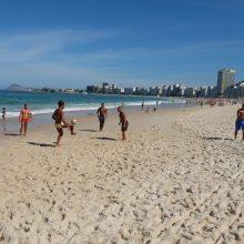 Pažinti Rio de Žaneirą: šlovinga Marakana, pavojingos bangos ir nuotrauka su Kristumi