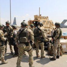 Į Lietuvą parskraidinami pirmieji kariuomenei talkinę afganistaniečiai