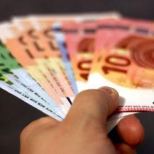 Seimas apsisprendė dėl dalies biudžetinio sektoriaus darbuotojų atlyginimų