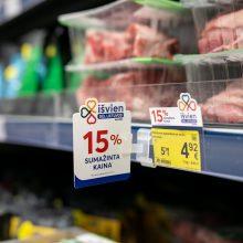 """""""Maxima"""" ir toliau mažina maisto kainas: pinga lietuviška mėsa"""