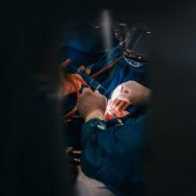 Karantino metu operuota moteris: medikams visada būsiu dėkinga už gyvybę ir sveikatą