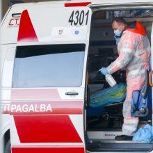 Prienų rajone apsivertus girto vairuotojo automobiliui nukentėjo keleivė