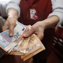 Socialinių reikalų ir darbo komitetas – už siūlymą sparčiau didinti pensijas