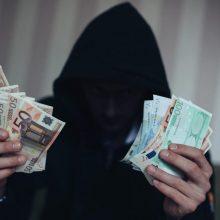 Sukčių taikiniu tapo Šiaulių apskrities gyventoja: išviliojo 10 tūkst. eurų