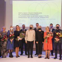 Apdovanoti aštuoni Metų mokytojai, M. Lukšienės premijos laureatas